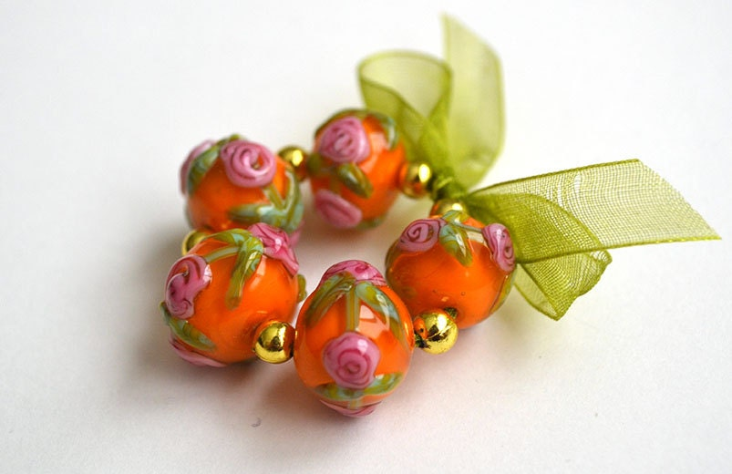 Lampwork Beads - Pink Rosette Wreath Rounds Encased