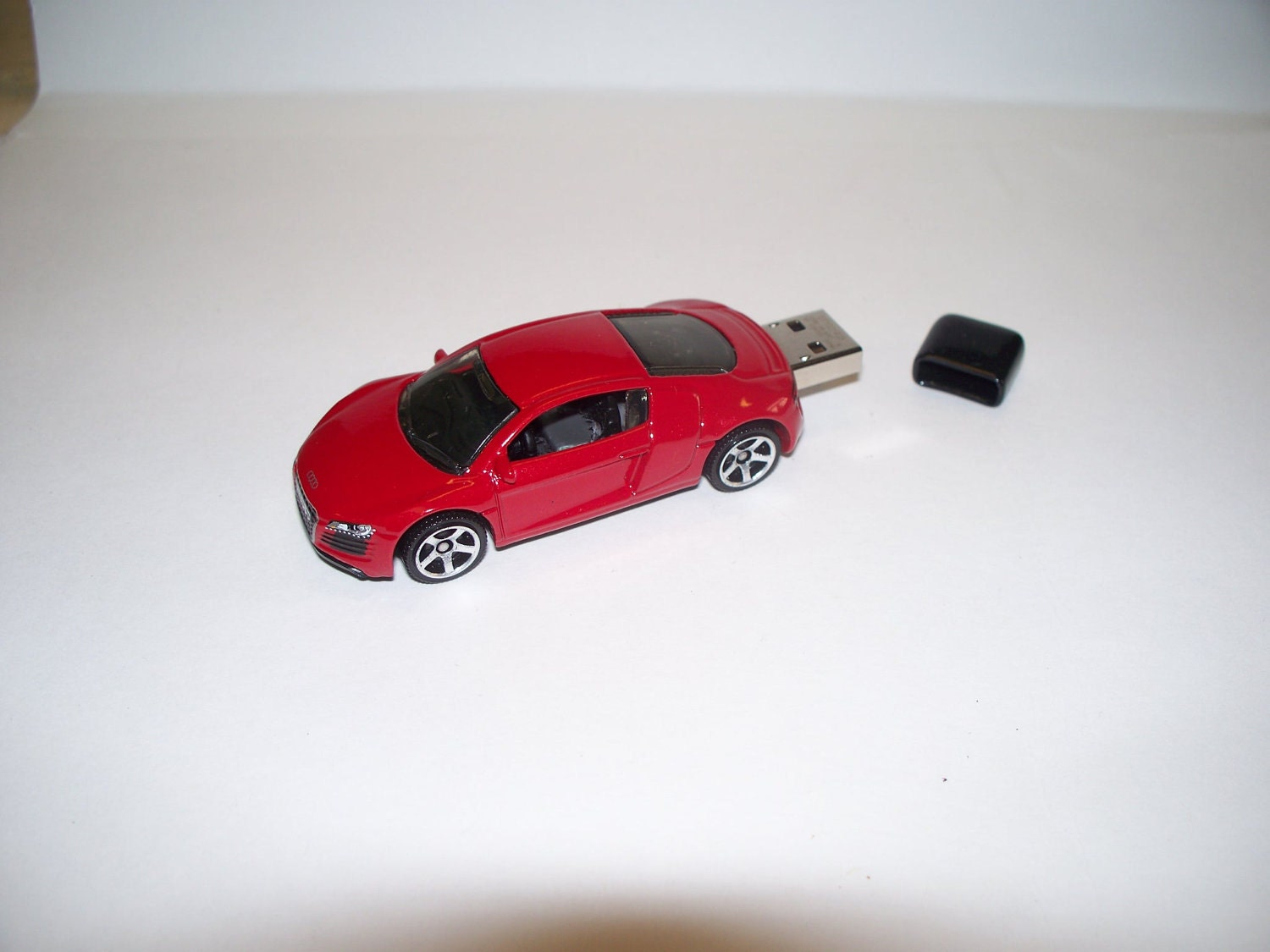 4gb red audi r8 usb flash drive car vw free by. Black Bedroom Furniture Sets. Home Design Ideas