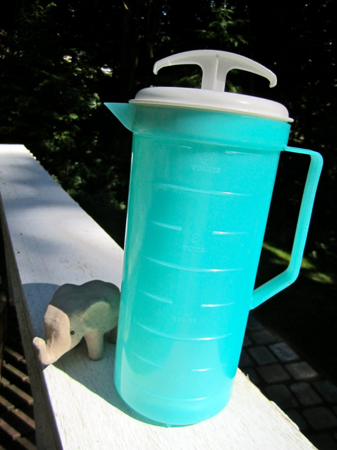 Turquoise Plastic 2 Qt Pitcher Plunger With Tight By