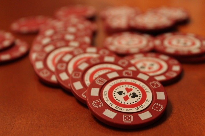 Personalized Poker Chip Wedding Favors - WiedersWhimsy