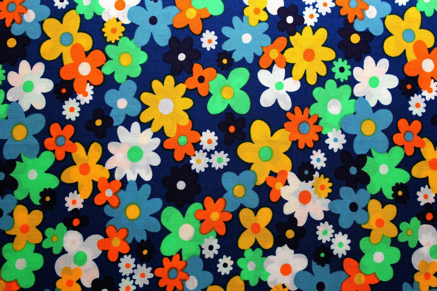 Retro Floral Fabric Yardage 60s flowers by theluckywhitecat