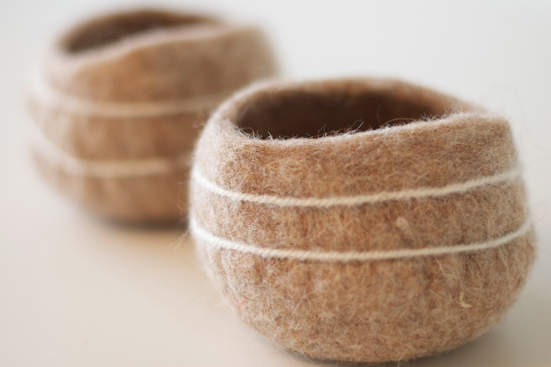light brown bowl felted - Owiekiddie