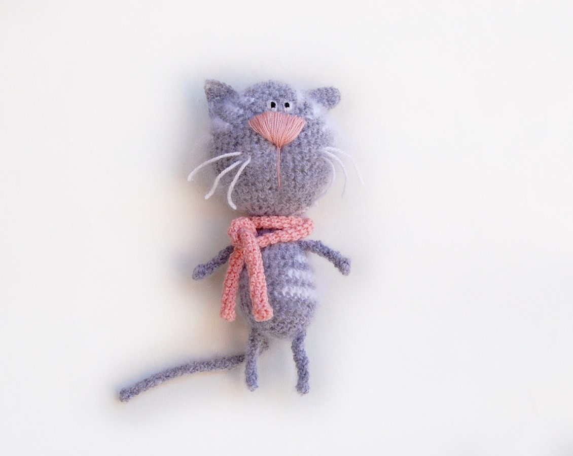 Crochet Cat toy tabby gray white - RomeoShop