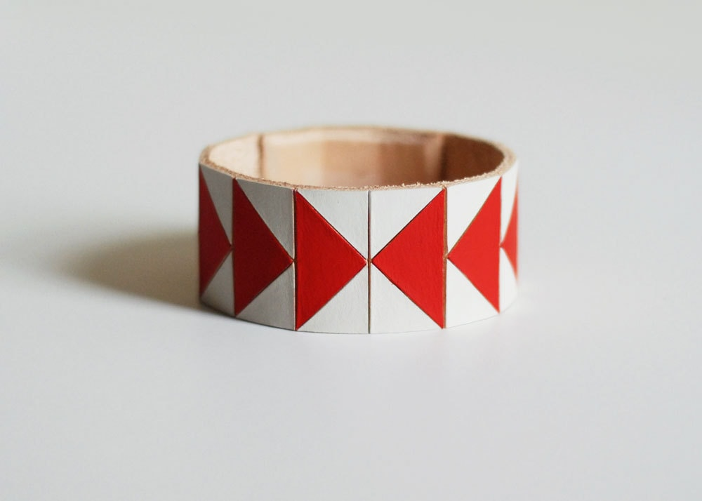 "Hand Painted Leather Cuff Bracelet in White/Red ""Arrowheads"" Geometric Pattern (made to order) - BrickAndArrow"