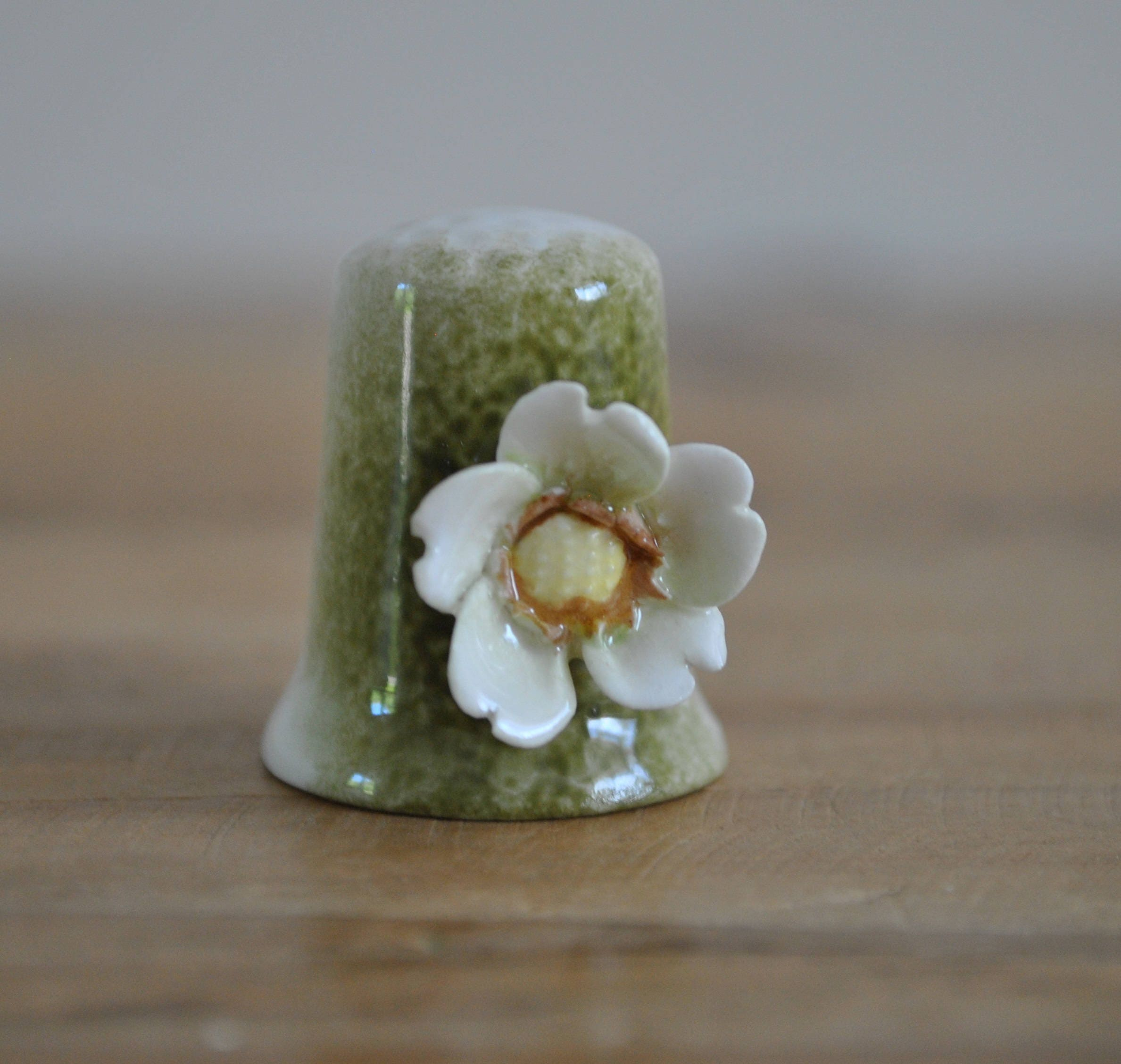 Vintage china thimble  3D flower  White Anemone  Hand painted