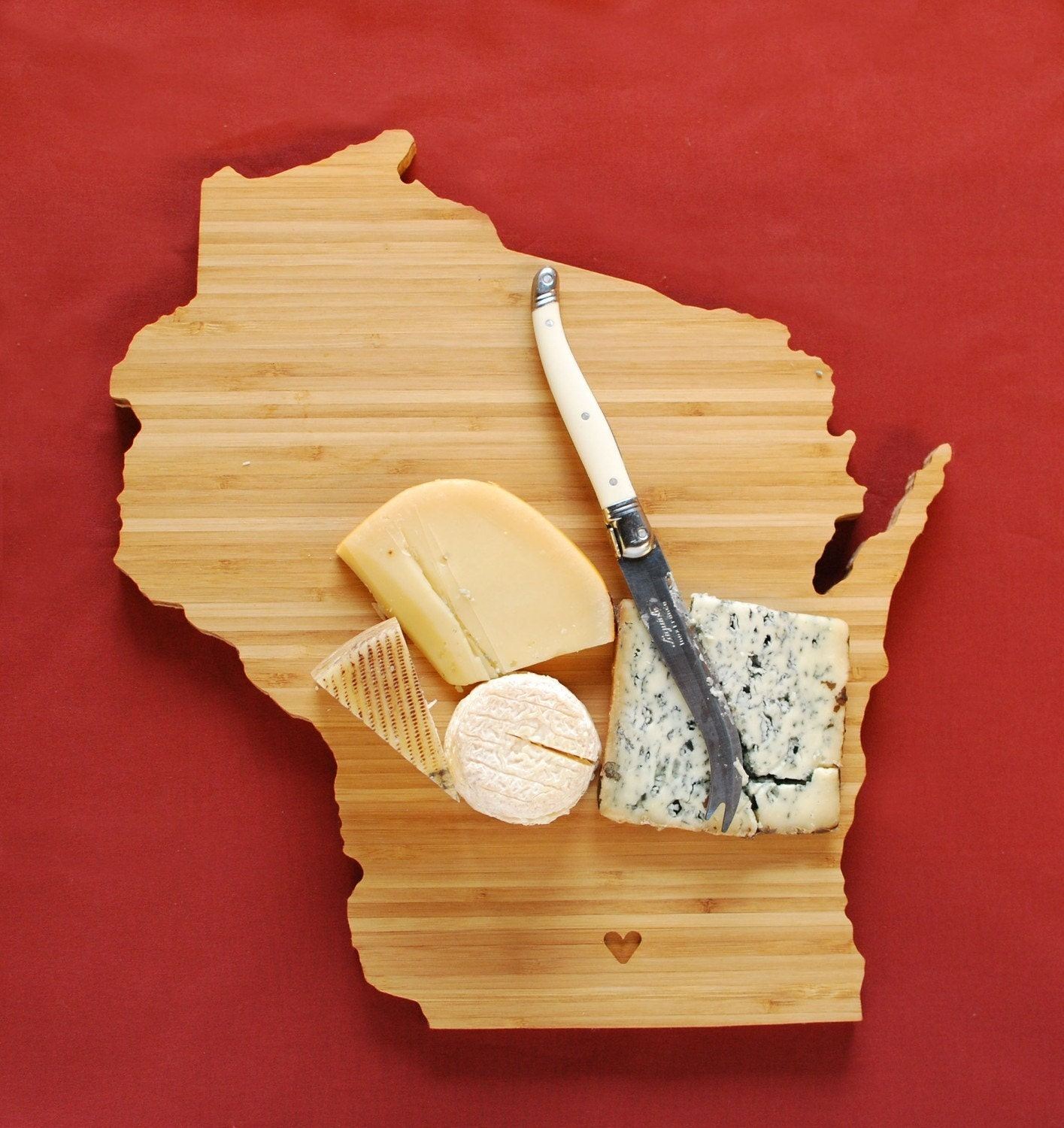 aheirloom 39 s wisconsin state shaped cutting board by aheirloom. Black Bedroom Furniture Sets. Home Design Ideas