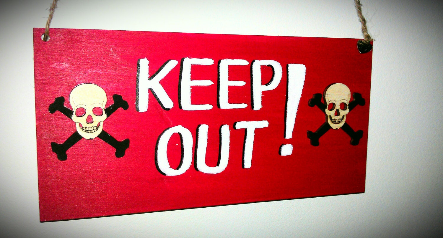 items similar to boys bedroom 39 keep out 39 sign plaque for door comes