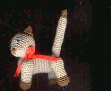 Free Crochet Pattern – Tiny Jointed Thread Teddy Bears