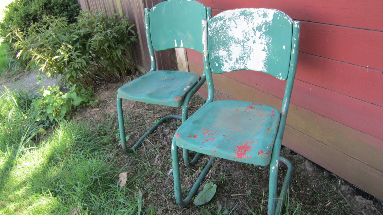 Vintage Metal Lawn Chairs >> Items similar to 2 Vintage Old Time Metal Chairs Lawn ...