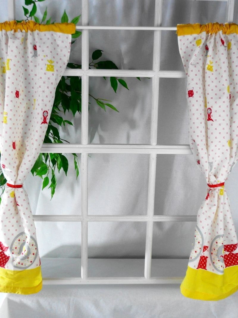 cafe curtains kitchen red yellow white grey retro vintage