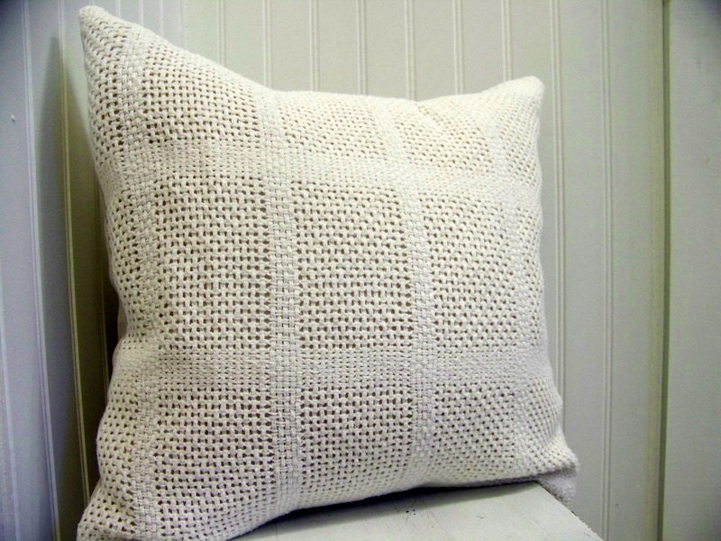vintage blanket pillow cover - white - knit - recycled - eco friendly - cozy - jennilyons81