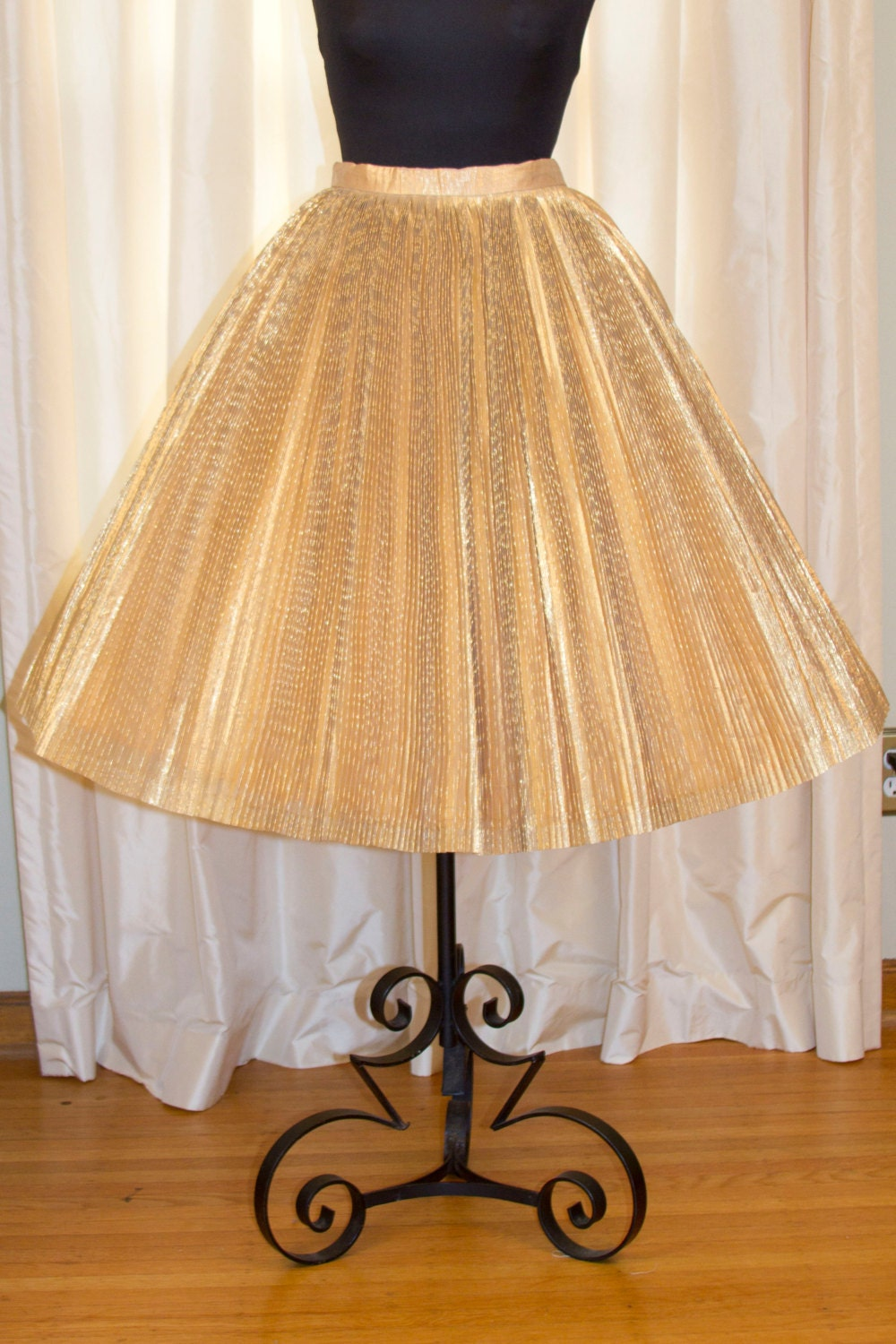 1950 s skirt gold lam 233 pleated by garbohvintage