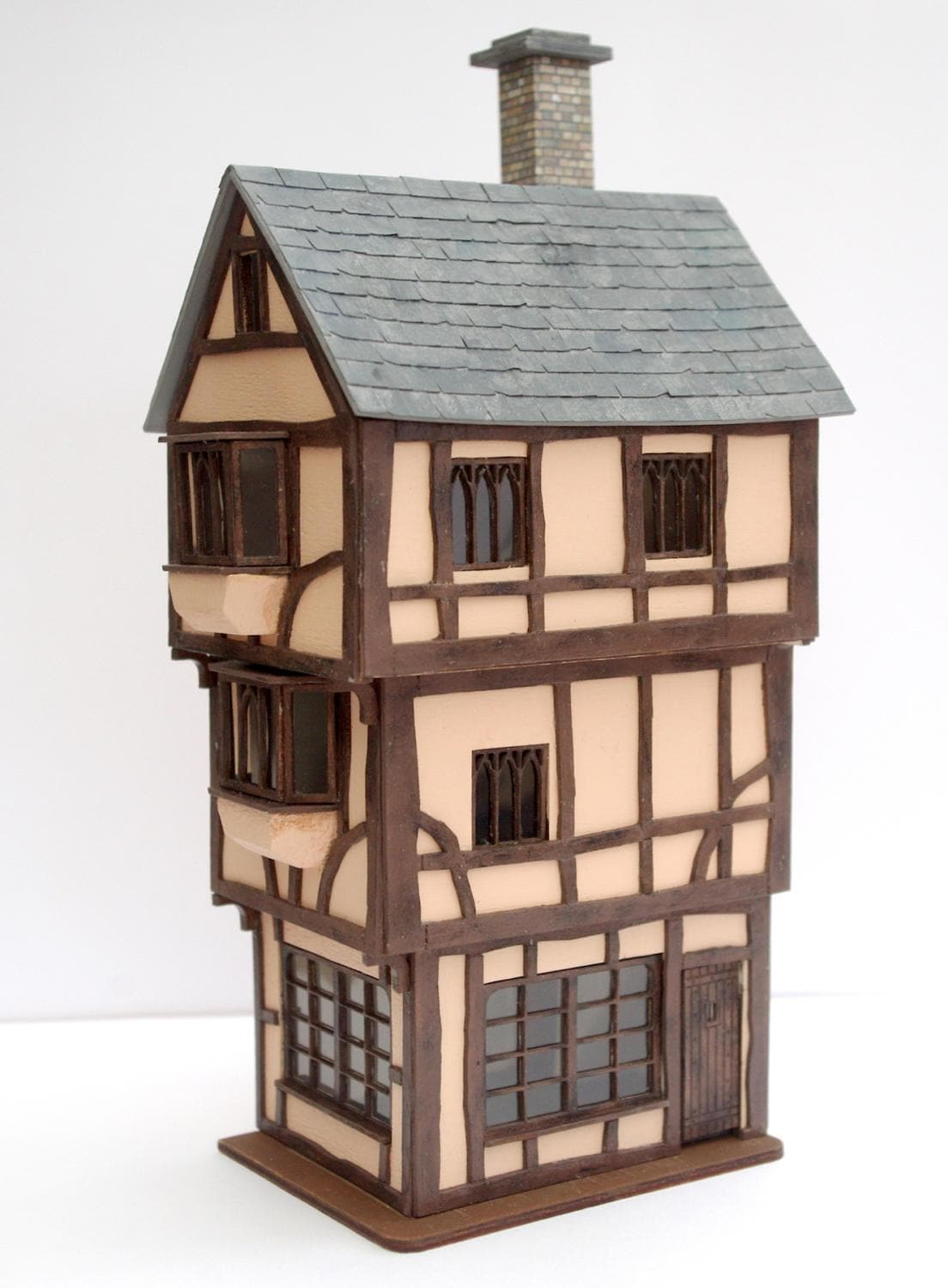 Miniature Model 148 Dolls House Kit  The HOUSE THAT MOVED 148 Scale