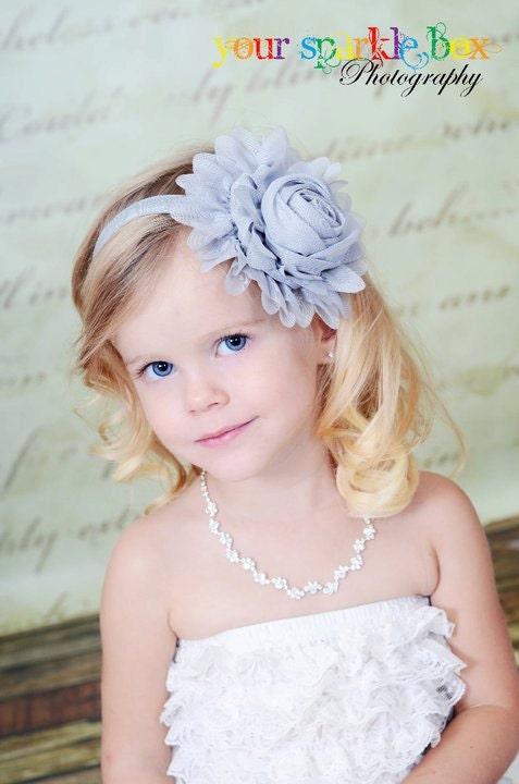 Серые цветы головная повязка - серый шифон Jumbo Роуз Stretchy Серый головная повязка или зажим для волос - Эмма - Vintage Вдохновленный - Baby, Малыш, Девочка