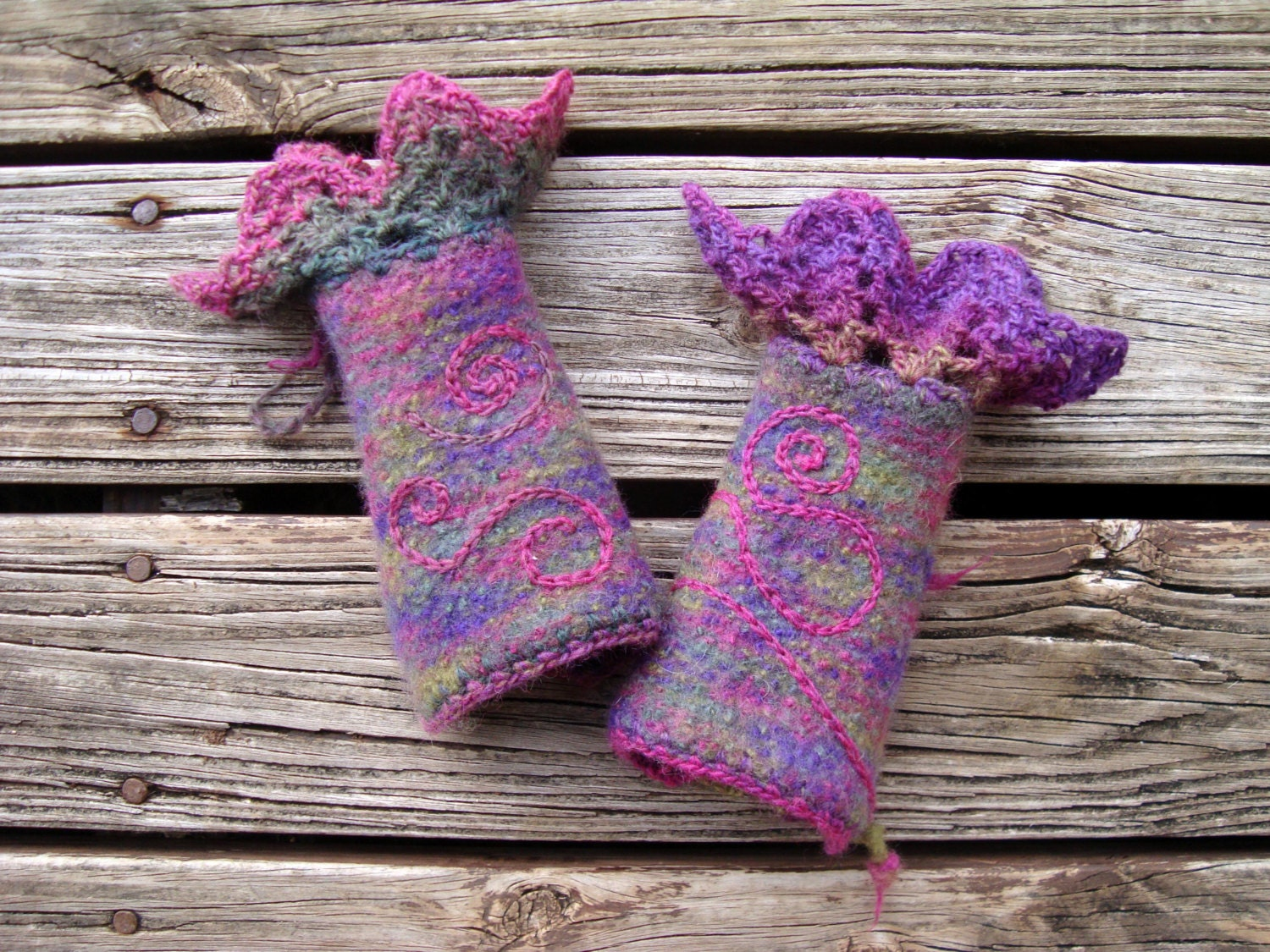 Arm warmers, felted wool and crochet lace - mimisxm