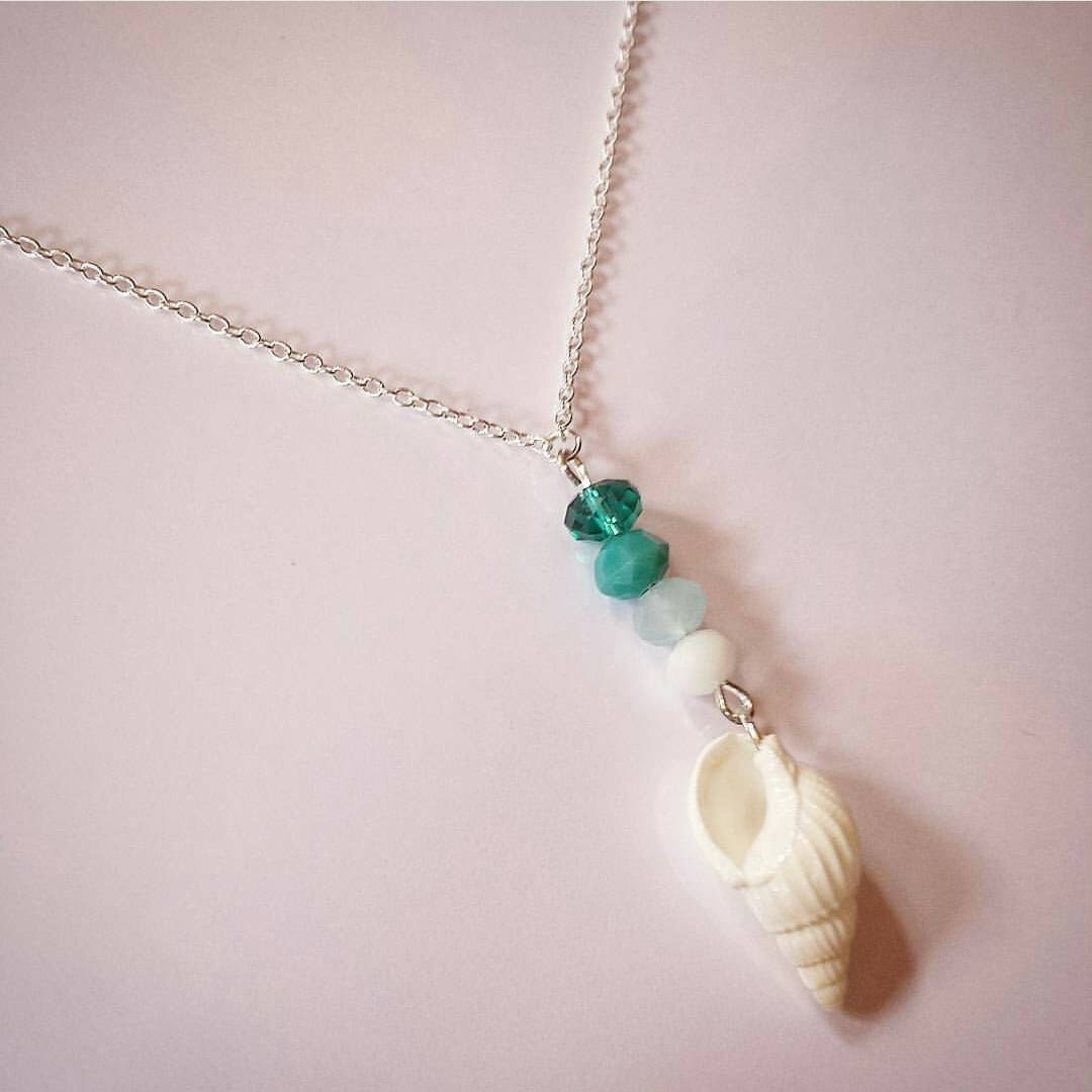 Stunning Aqua Turquoise Emerald and White Faceted Glass Beads featuring a Natural Shell on 18 Sterling Silver Link Chain