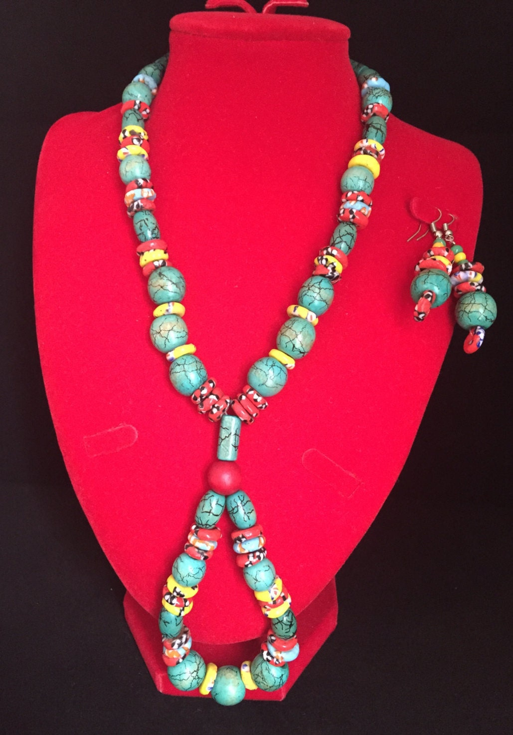 Jade wood crackle bead with stone bead spacers loop necklace and earrings set