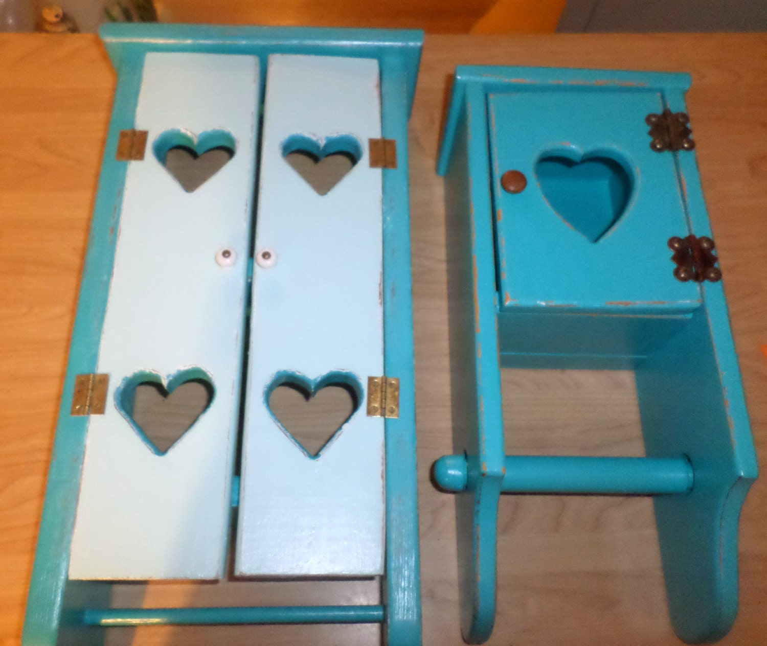 Upcycled beach house cottage bathroom accessories by skraptzz - Beach toilet paper holder ...