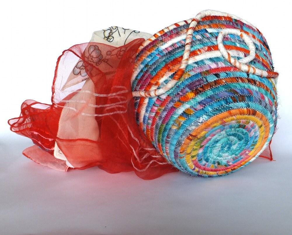 Большие круглые Спиральный Ткань Будуар корзины - Карибский закат