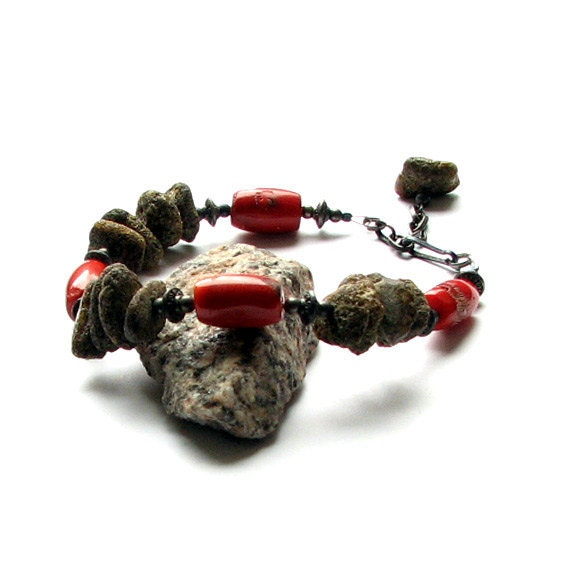 Amber - Coral Bracelet - Natural coral - Handmade jewelry - Modern style - albado