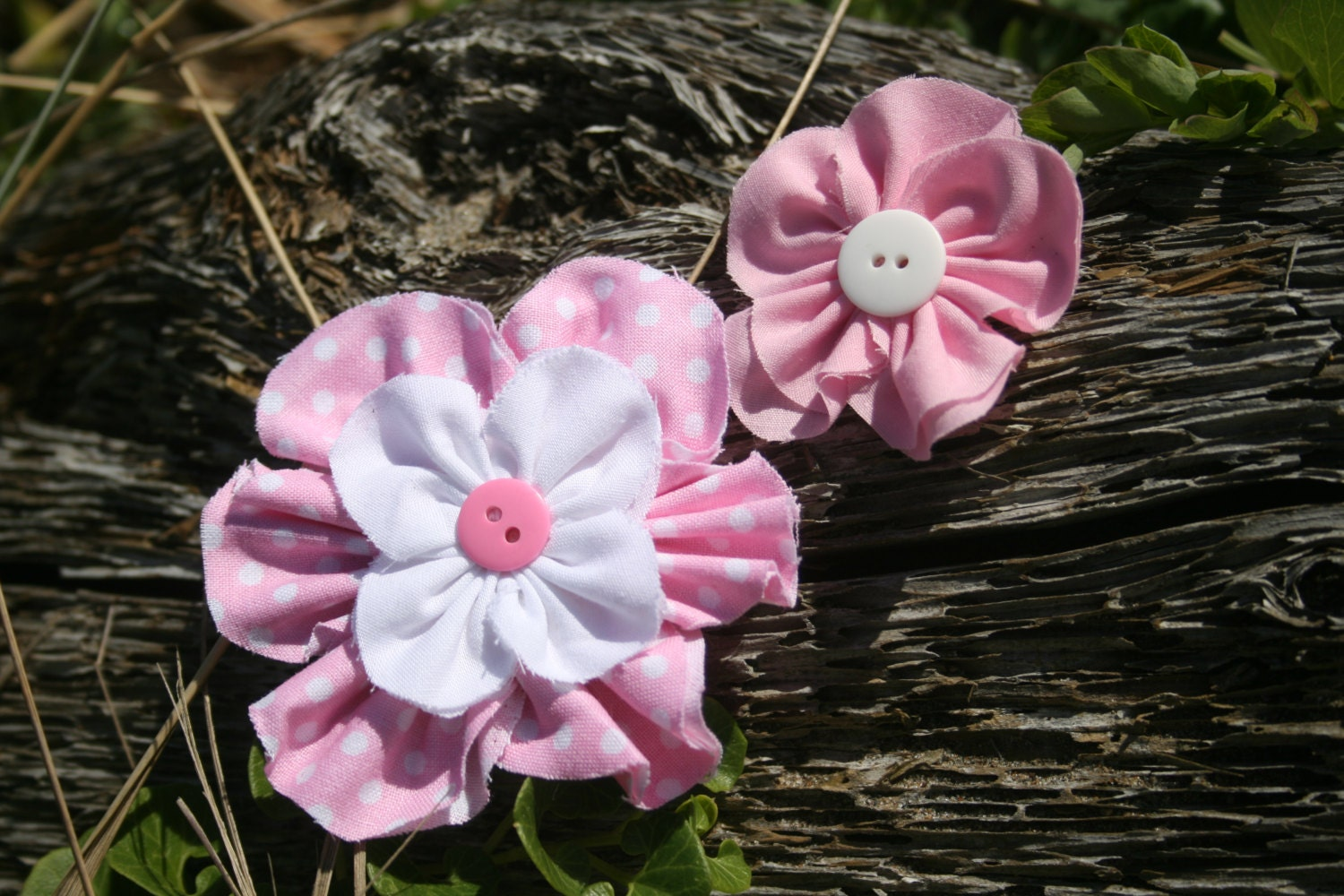 Handmade pink and white multi-pack hair flowers. Great as a gift set, family set or mix and match! - RockabillyBabyPlace