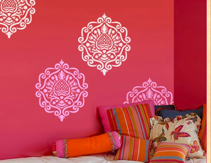 Lounge moroccan on pinterest moroccan wallpaper for Bedroom stencils designs