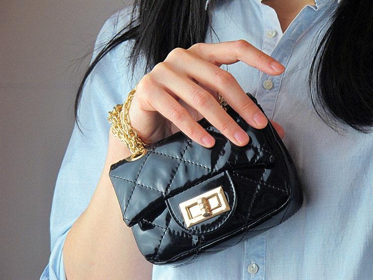 Маленькая женская сумка через плечо