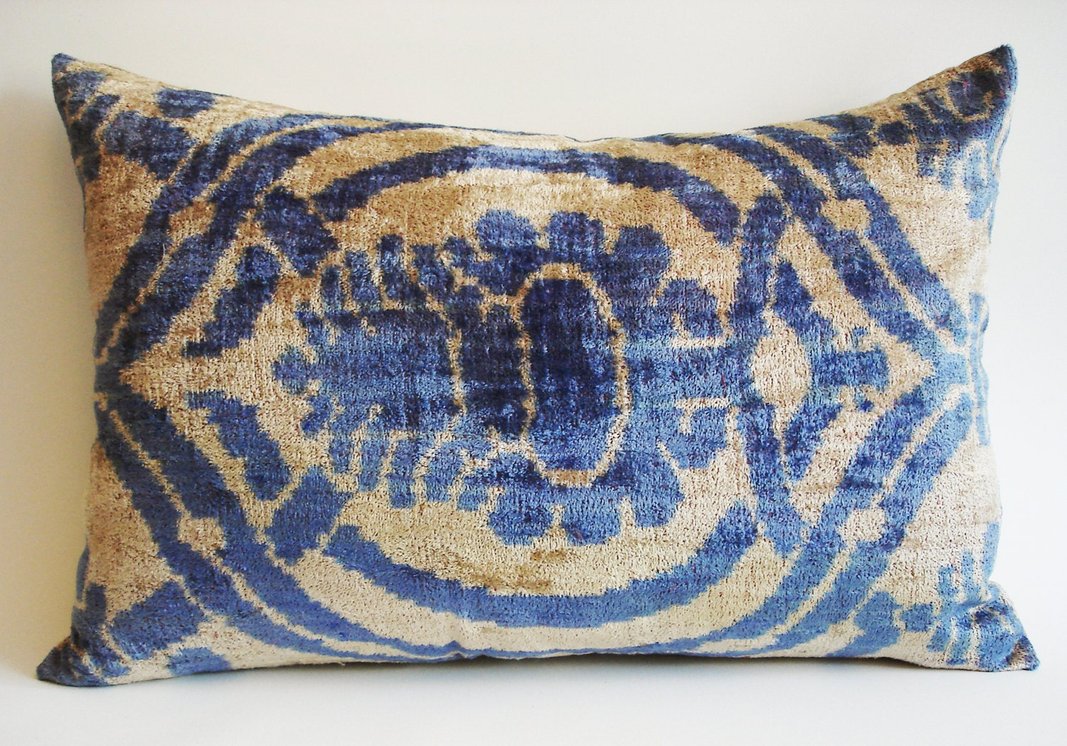 Sukan / SALE - Soft Hand Woven - Silk Velvet Ikat Pillow Cover - 14x22 - Blue Beige Color