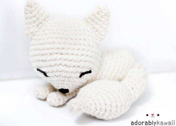 Kawaii Sleepy White Fox Arigurumi
