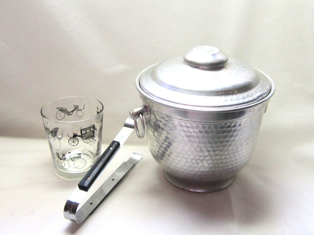 Mid Century Italian Hammered Textured Silver Aluminum Ice Bucket Lid Tongs Gift for Him Her Poker Night Drinks on Me