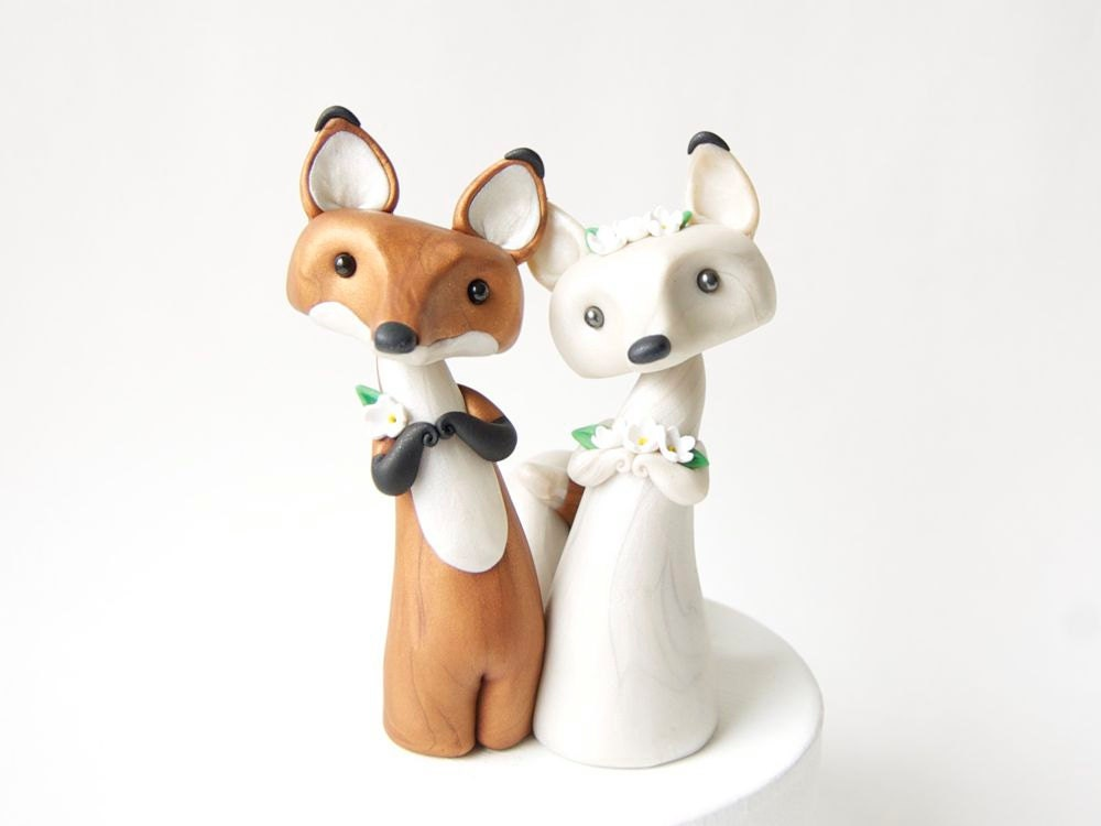Red Fox and Arctic Fox Wedding Cake Topper by Bonjour Poupette - BonjourPoupette