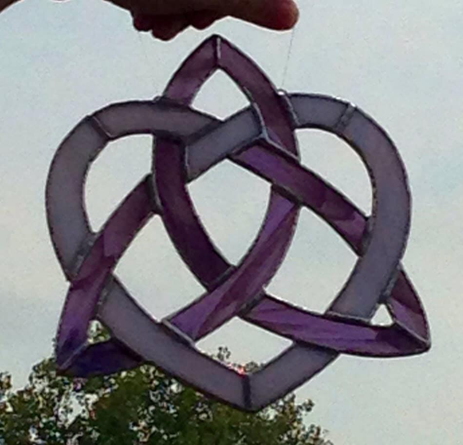 Celtic Knot Heart Triquetra in Stained Glass by Sweveneers ...