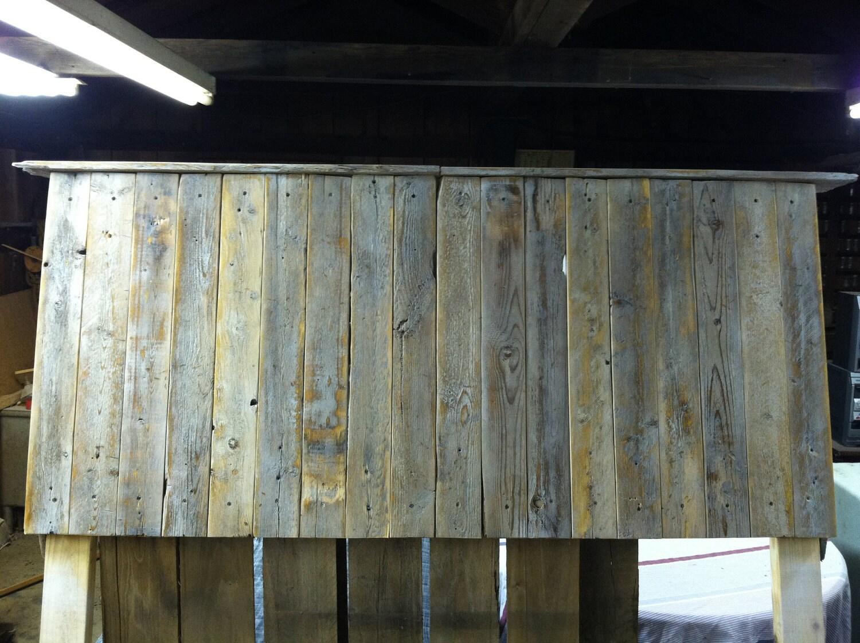 Paletas de madera / cabecero de madera recuperada