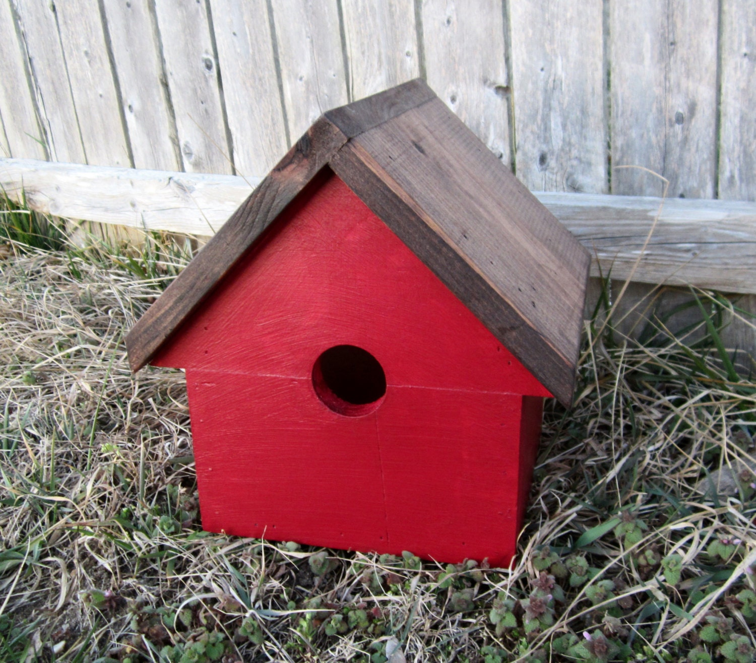 Red bird house outdoor country decor by countrybythebumpkins for Bird home decor