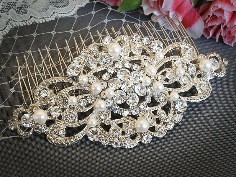 VILANA, Victorian Style Wedding Hair Comb, White or Ivory Bridal Hair Comb, Vintage Wedding Hair Accessories, Rhinestone Bridal Hairpiece