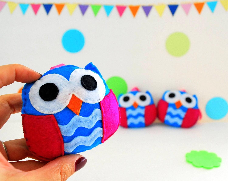 3 Felt Owl Valentine Ornament Set,  Holiday Valentine Decor, Winter Mini Owl Ornaments * Ready to ship A891