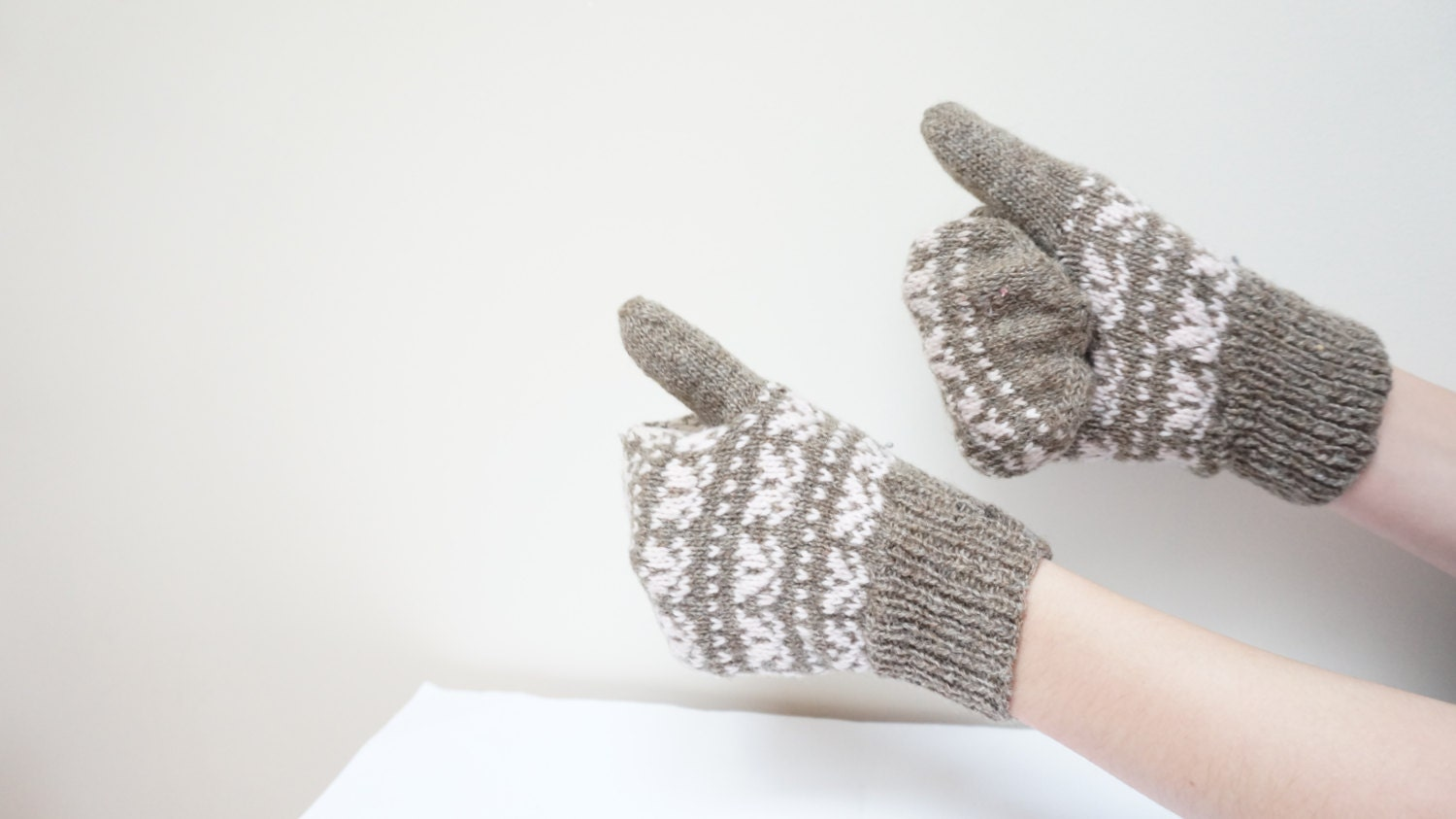 Handmade Mittens Gloves Women Children Retro natural wool vintage knit grey pink white Soviet  Christmas crochet Lithuania Russia 1980s - LivePastVintage