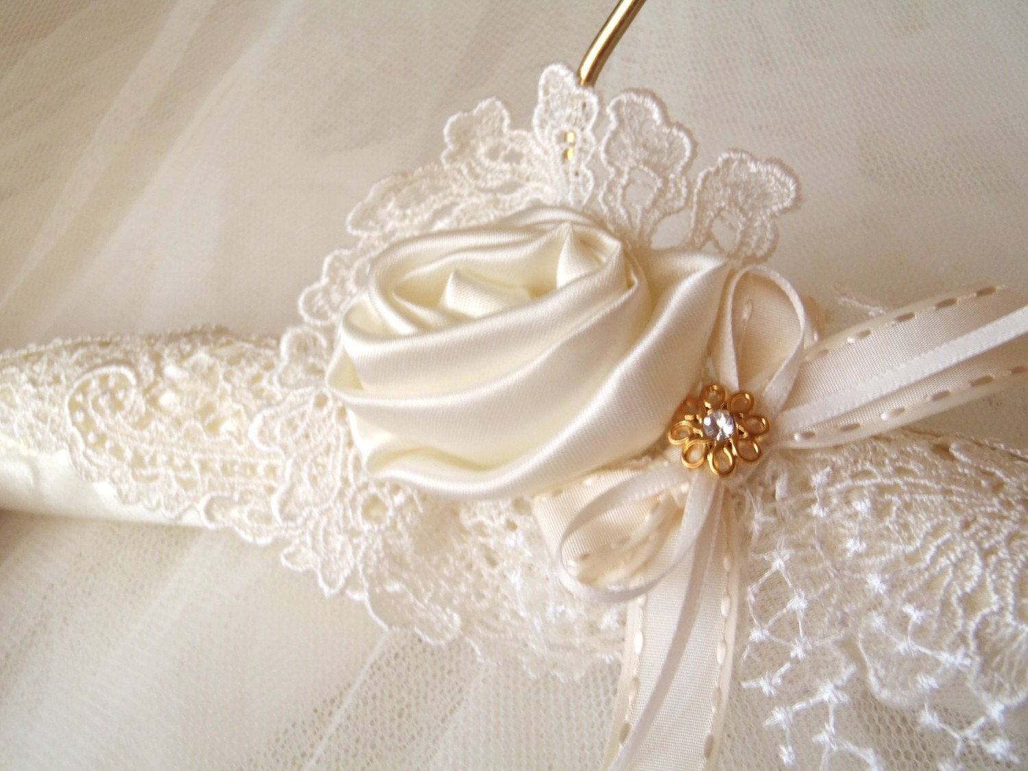 Wedding dress padded satin hanger with vintage by for Wedding dress hanger amazon