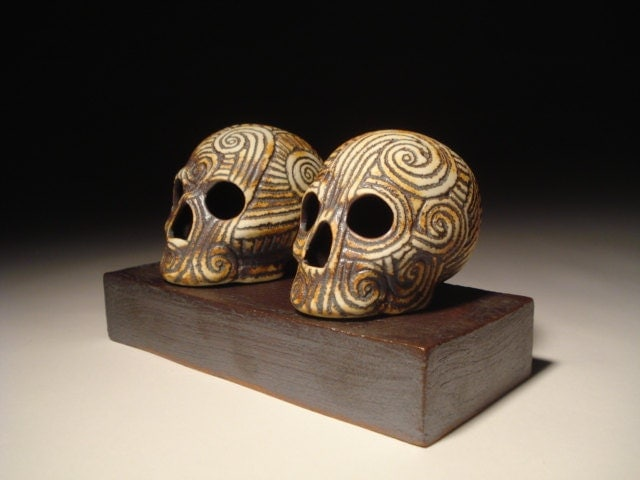 Spiral Skull Set With Stoneware Podium