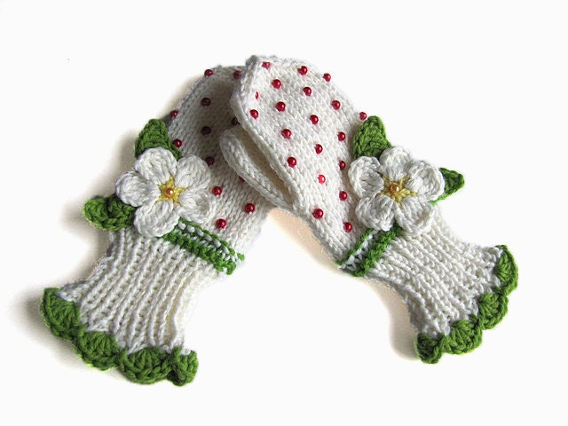 Knitted childern mittens, baby girls christmas gifts mittens/ size 12M-36M