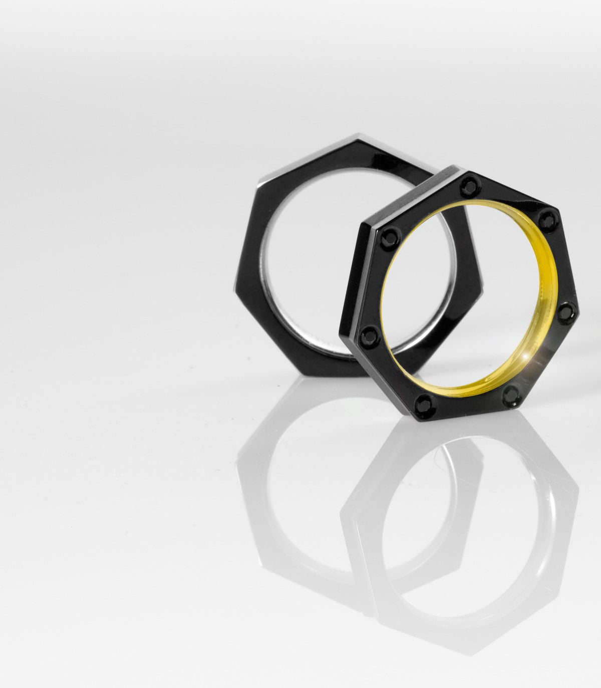 The Heptagon Ring for Men in solid Gold or Platinum with Black DLC Coating