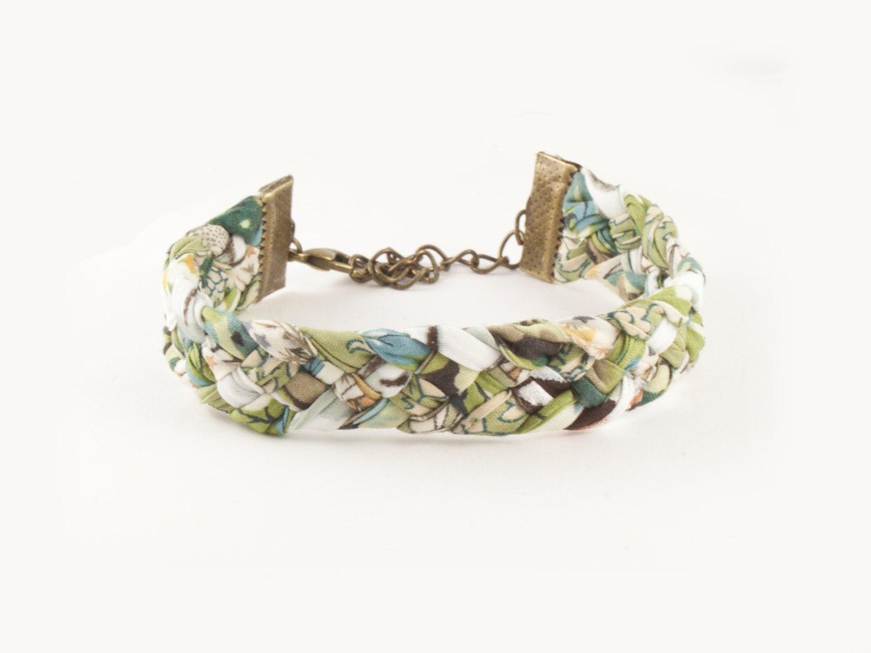 Bracelet en tissu tressé vert et blanc - biais liberty