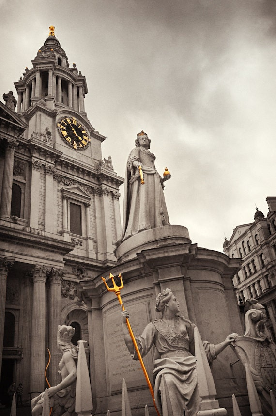 Canvas Photo, Church, Cathedral, Statue, Black and White, Gold, London, Cathedral, Sepia - HoneySicleStudios