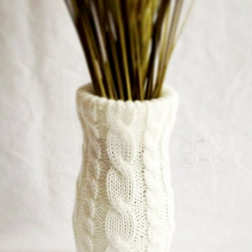 Winter White Cable Knit Removable Vase Cover & Glass Vase - laurenmaryHOME