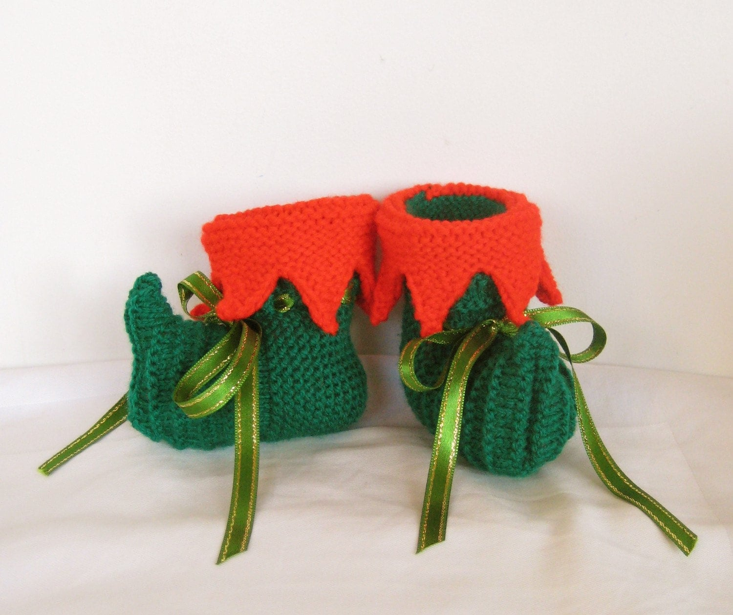 Knitting Pattern For Baby Elf Shoes : Items similar to handmade knit Christmas Elf baby shoes booties - made to ord...