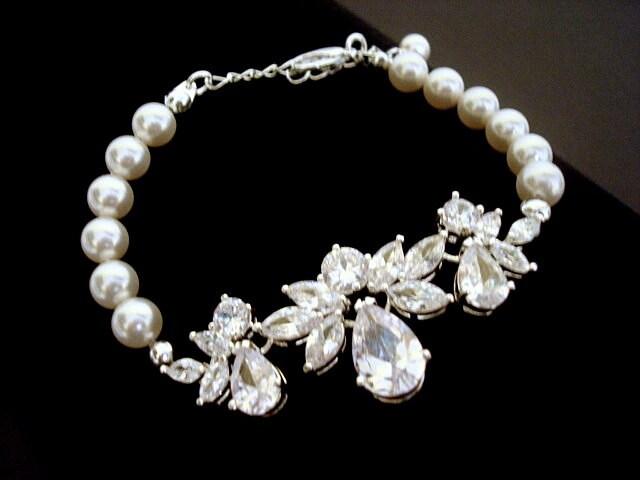 Bridal bracelet, pearl bracelet, cubic zirconia bracelet, wedding jewelry, wedding bracelet, Swarovski pearls