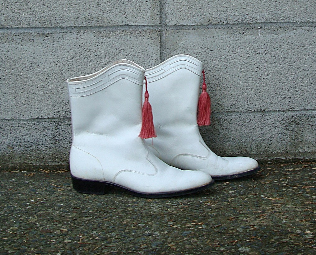 Vintage 1960s Drill Team White Flat Boots By
