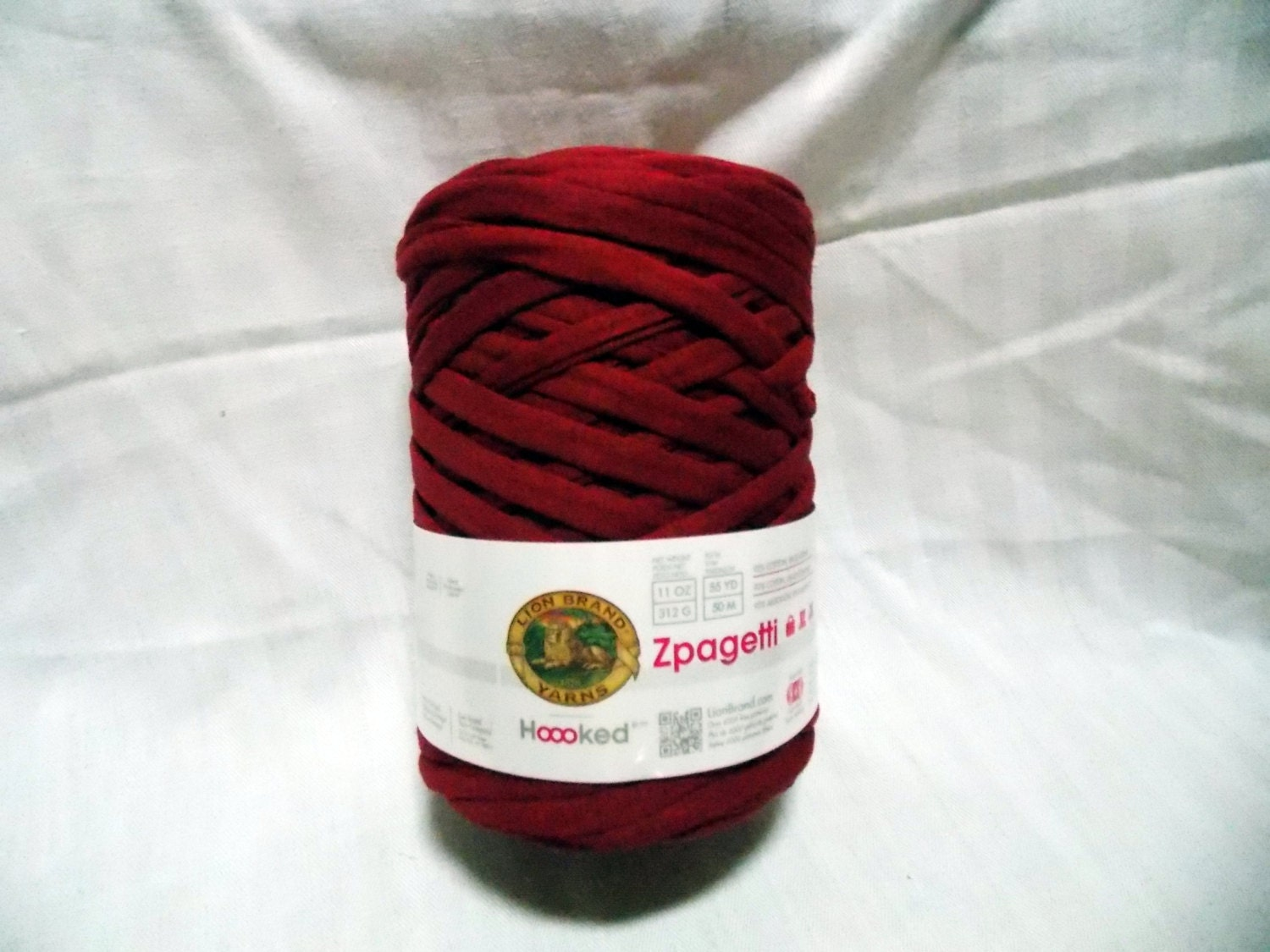 Super Bulky Yarn : Lion Brand Zpagetti Yarn super bulky Repurposed by yarn2spin
