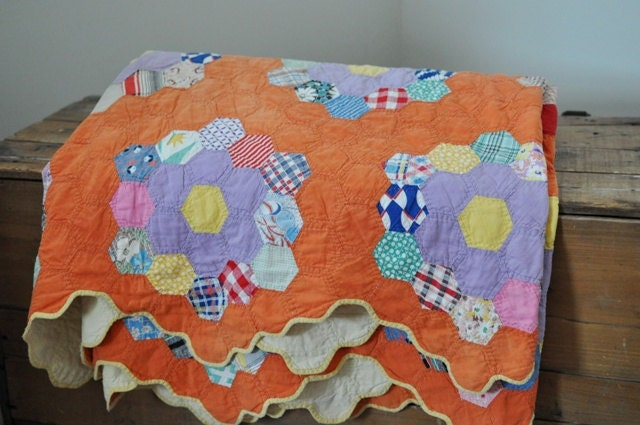Vintage feed sack quilt grandmothers flower garden by estatehound for Grandmother flower garden quilt pattern variations