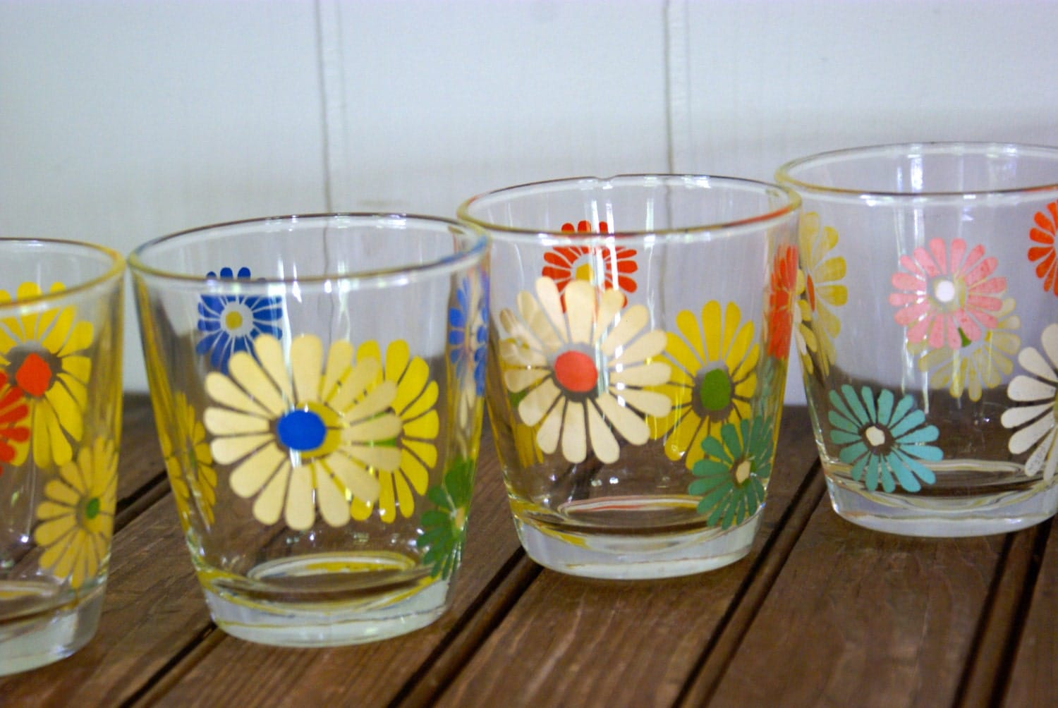 Vintage Daisy Sour Cream Glasses Slightly Imperfect